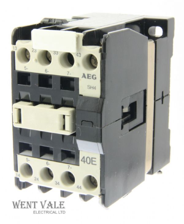 AEG SH4-40E-910-302-559-58 - 20a  Four Pole Control Relay 110vac Coil Un-used